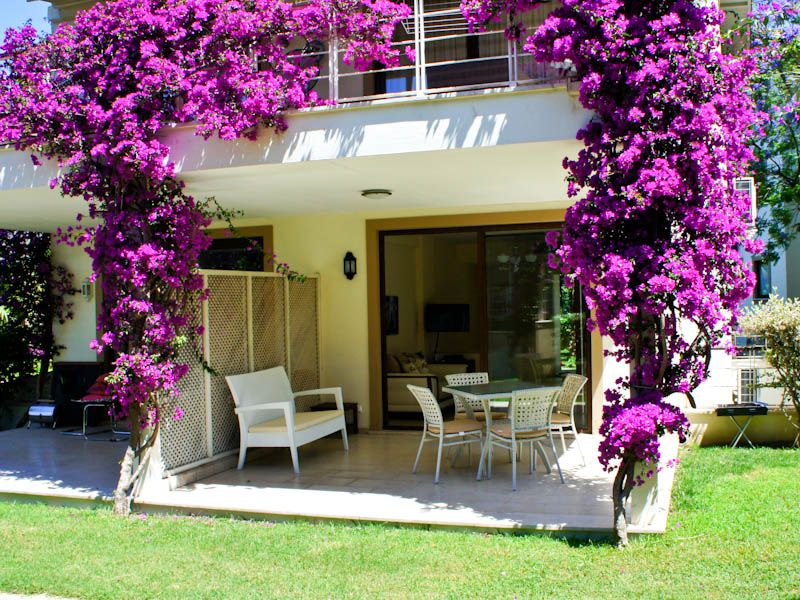 2 Bedrooms Holiday Apartment for Rent in Center of Gocek